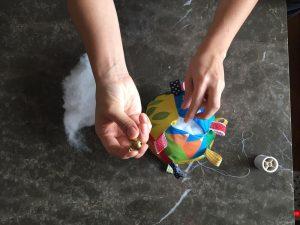 bir kucak oyuncak için